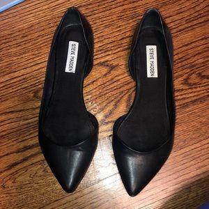Steve Madden Black Elusion Leather Flats